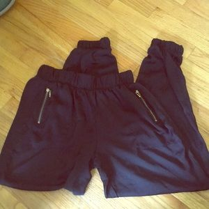 Silky harem pants with zipper pockets